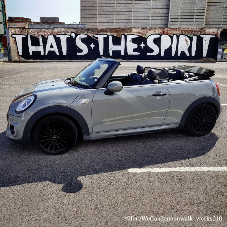 MINi Convertible – grey – side view